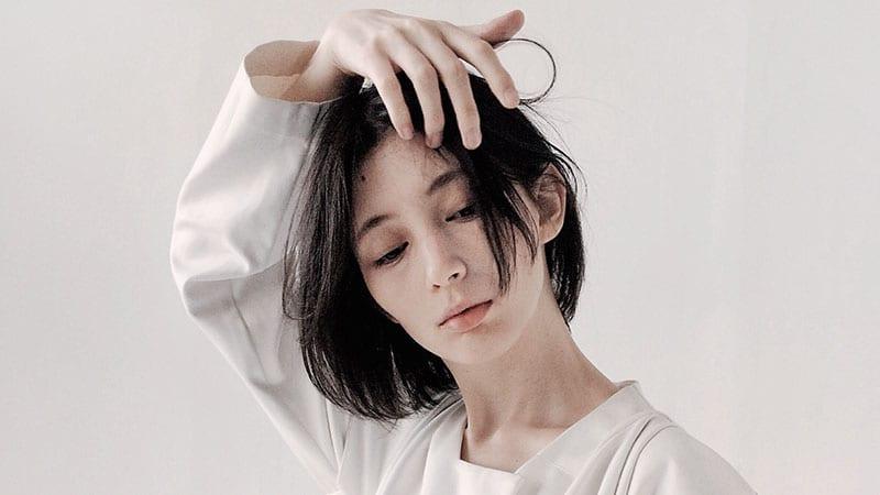 how to use dry shampoo oily hair
